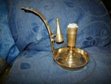 OLD BRASS CHAMBERSTICK LARGE WELL CURVED PIERCED LONG HANDLE + SNUFFER
